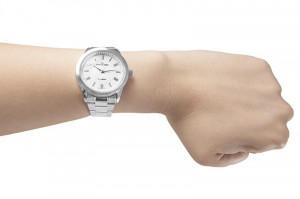 d32524ba2194a4 ... Niebanalny Damski Zegarek Jordan Kerr z Mieniącą Się Perłową Tarcza Na  Prostej Srebrnej Bransolecie